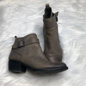 Vince Camuto Grey Taupe Leather Beamer Booties 6.5